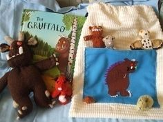 British Columbia Kindergarten Language Arts - encourage reading like behavior by acting out the actions or holding the dialog of the creatures as they appear, using the book as a type of script Gruffalo Story bag Kindergarten Language Arts, Language Activities, Activities For Kids, Literacy Bags, Reading Buddies, Story Sack, Book Baskets, The Gruffalo, Kids Corner