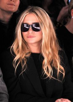 Looking for a new style for this season? Here is a great look from Ashley Olsen. When it comes to messy, beachy, summer waves, no one does it better than Ashley Olsen. Here she wore her casually tousled wavy flaxen hair. Sexy center parted beachy wavy hair style. We love how her hair always looks[Read the Rest]