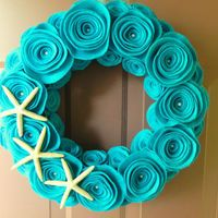 Turquoise Wreath, Summer Beach Wreath Made with Felt, Pearls and Starfish - i'm surprised how much i like this
