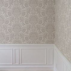 """""""Duke's Damask"""" - Historic Royal Palaces collection. Cole & Son wallpaper"""