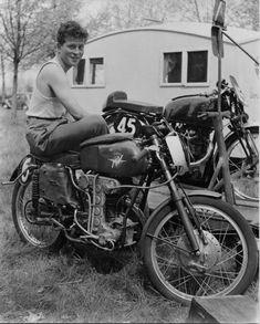 PHOTOS de COURSES 1950 / 1960 – Le Blog de François Fernandez Manx, Bugatti, Peugeot, Honda, Mv Agusta, Bmw, Road Racing, Motorcycle, Vehicles