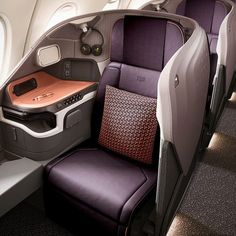 Singapore Airlines Unveils New Business Class Designed by JPA Design Luxury Jets, Luxury Private Jets, Car Interior Design, Interior Design Singapore, Luxury Interior, Design Transport, Airplane Interior, Private Jet Interior, First Class Seats