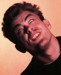 """My purpose in life does not include a hankering to charm society."" -James Dean, photo by Phil Stern, ⭐️ Liza Minnelli, Silly Faces, Funny Faces, James Dean Photos, Ugly Men, Wtf Face, Weird Face, Goofy Face, Actor James"
