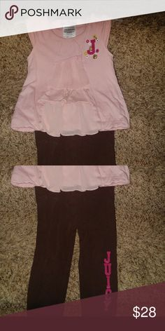 Juicy Couture 12-18 m set Beautiful 12-18 Juicy Couture 12-18 m 2 piece set . Blush pink Ruffle top and mocha brown juicy print leggings. Adorable baby outfit !!!! Guc - because we wore this one a few times . No holes or stains that I see . Pet free smoke free home . Juicy Couture Matching Sets