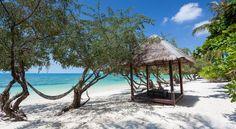£36 Sarikantang Resort and Spa is on Seekantang Beach in Ko Phangan. It boasts a private beachfront, spa and outdoor swimming pool.