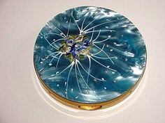 I love vintage compacts.
