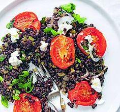 Zwarte beluga linzen salade