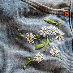 Happy bank holiday weekend!!! Newness just dropped on my @depop shop - link in bio. #Spring #holidays #daisies #reworked #restitched #recycled #vintagelevis #denimlove #reworkedvintage #getlost #getlostclothing