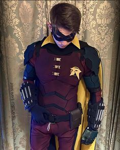Dc Comics, Batman Comics, Awesome Cosplay, Best Cosplay, Robin Suit, Batman Fan Art, Robin Starfire, Robin Cosplay, Richard Grayson