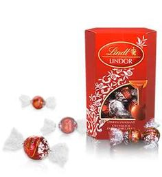 i love these chocolates and want to have some of these right NOW! Lindor Truffles by Lindt Lindt Truffles, Lindt Lindor, Lindt Chocolate, Chocolate Shells, I Love Chocolate, Chocolate Gifts, Chocolate Truffles, Chocolate Lovers, Valentines Day Wishes