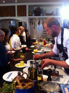 Stefan Hartmann ist voll in seinem Element bei der #TGLE Berlin von Olivenöle aus Spanien.