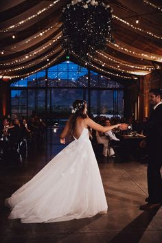 Rustic Antique Arizona Wedding at The Paseo Junebug Weddings Rustic Antique Arizona Wedding at The Paseo Junebug WeddingsHochzeit The couple shares their first dance at this rusticinspired reception Image by Alayna. Wedding Goals, Wedding Planning, Wedding Day, Wedding Hacks, Wedding Rustic, Diy Wedding, Wedding Makeup, Wedding First Dance, Cake Wedding