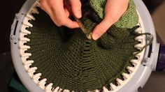 Hvordan strikke en vrangbordlue / How to knit a ribbed hat / Prym Maxi k...