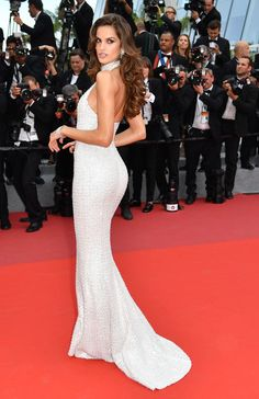 """Izabel Goulart wears Ralph & Russo Couture gown at the """"The Killing Of A Sacred Deer"""" screening during the annual Cannes Film Festival at Palais des Festivals. Izabel Goulart, Jessica Chastain, Blake Lively, Stunning Dresses, Nice Dresses, Miranda Kerr Dress, Kevin Trapp, Christian Dior, Palais Des Festivals"""