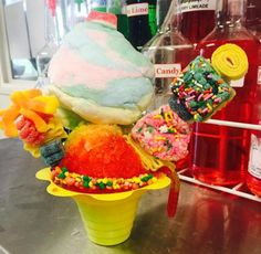 So what exactly sets the snowball stand apart from others? It's the myriad of toppings you can add to your snowball. Ice Cream Menu, Ice Cream Pops, Candy Drinks, Yummy Drinks, Shave Ice Syrup Recipe, Snow Cone Stand, Hawaiian Shaved Ice, Sno Cones, Italian Ice