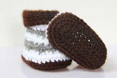 Návod na háčkované bačkorky (pro miminko) Crochet Shoes, Slippers, Kids, Baby Born, Minecraft, Tutorials, Inside Shoes, Boots, Young Children