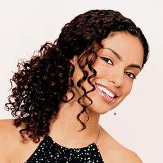 Morena Flor Glamour: Penteados fáceis para cabelos cacheados