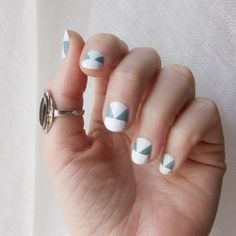 This cool geometric manicure is so beautiful and easy to make!