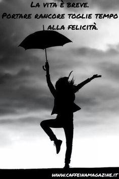 Italienisch Spruche Zitate Im Regen Tanzen Insem Augenblick Buchstaben