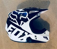 Road bike helmets fox racing Ideas for 2019 Fox Helmets, Dirt Bike Helmets, Dirt Bike Gear, Dirt Biking, Motorcross Bike, Motocross Helmets, Bike Humor, Motorbike Clothing, Bmx Bicycle