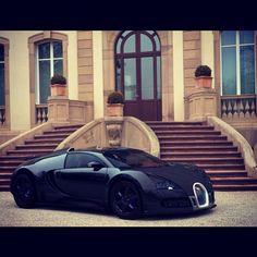 All black Bugatti Veyron! Perfect for Mr Bruce Wayne :) #Darkknight @alloywheels check it !!