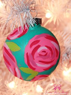 Great DIY Idea for the Holiday. Easy to make painted ornaments for your christmas tree. Preppy Christmas, Merry Little Christmas, Pink Christmas, Winter Christmas, All Things Christmas, Christmas Holidays, Christmas Bulbs, Christmas Decorations, Christmas Ideas