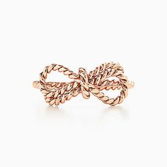 Tiffany Twist bow ring in 18k rose gold.
