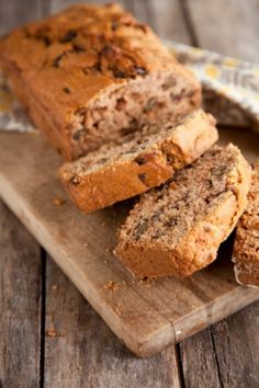 Applesauce Bread  Great way to use up the leftover homemade applesauce I've got in the fridge!
