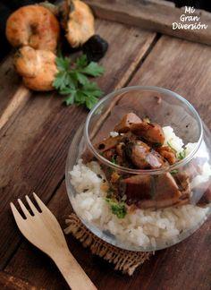 Arroz frito con setas, carne y foie
