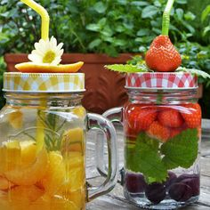 🔥Get a complete 21 days Detox Smoothie Diet Plan to lose weight fast in a speedy and effective way! 👉➡Get your weightloss smoothie diet (CLICK THE LINK IN BIO) . Detox Drinks, Healthy Drinks, Stay Healthy, Healthy Smoothies, Bebidas Detox, Infused Water Recipes, Weight Loss Meals, Losing Weight, Detox Waters