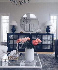 10 Ways to Decorate Your Living Room with Pink Shades - Looking for ideas to refresh your living room? Check out these pink living room decorating ideas to create a classy and cheerful interior design. Home Decor Inspiration, Home Living Room, Interior, Apartment Living Room, Home Decor, House Interior, Apartment Decor, Living Room Decor Cozy, Home Interior Design