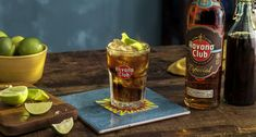 More than just rum and cola, your Cuba Libre cocktail also needs a generous squeeze of lime to even out the drink's sweetness. Cuba Libre Drink, Cuba Libre Cocktail, Havana Club, Tequila, Coca Cola, Viva Cuba, Varadero Cuba, Mint Mojito, Bacardi Rum