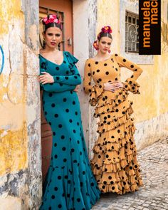 Flamenco Costume, Flamenco Skirt, Spanish Dancer, Belly Dance, Fashion Dresses, Poses, Costumes, Skirts, Designers