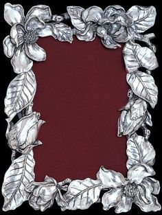 Any Mississippi girl or Magnolia lover would appreciate this Arthur Court Magnolia Photo Frame as a wedding gift! Aluminum Foil Art, Aluminum Can Crafts, Metal Crafts, Craft Stick Crafts, Pewter Art, Pewter Metal, Picture Frame Wreath, Picture Frames, Magnolia Pictures