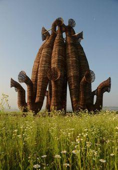 Russian artist Nikolay Polissky has created a sculpture named Beaubourg