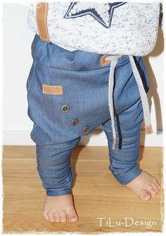 Kleinkind-Pumphose mit schrägem Reißverschluss