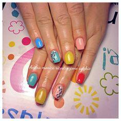 Un tocco di colore: come effettuare un Refill rubrica Nails beauty di Monica Stan