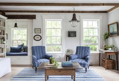 Sag Harbor Home Filled with Inspirational Nautical Decorations: http://www.completely-coastal.com/2015/03/Sag-Harbor-home-nautical-decorations.html