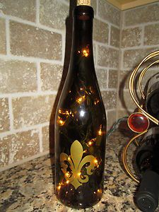 Mom!! I need to make something like this for my little table!! Lighted Gold Fluer de Lis on Green Wine Bottle French Tuscan Home Decor Gift   eBay