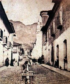 1895, Calle 10, La Candelaria - Bogotá, Colombia Japan Spring, Spring Time, Good Times, Antiques, Calle 13, Historia, Social Science, Bogota Colombia, Historical Photos
