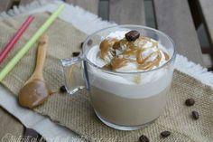 Cappuccino freddo al caramello con panna