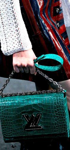 Louis Vuitton Spring 2015 Women's Handbags & Wallets - http://amzn.to/2iZOQZT