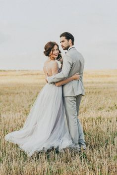 Gray tulle wedding dress, open back bridal gown, bohemian alternative wedding dress, simple evening or prom or ball dress, delicate gown - Hochzeits Fotografie - brautkleid Wedding Photo Books, Wedding Picture Poses, Wedding Couple Poses, Wedding Couples, Outdoor Wedding Pictures, Farm Wedding Photos, Wedding Anniversary Photos, Romantic Couples, Wedding Images