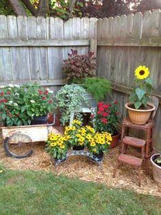 Garden Yard Ideas, Diy Garden, Garden Cottage, Spring Garden, Farmhouse Garden, Backyard Ideas, Garden Beds, Patio Ideas, Backyard Projects