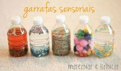 """Para Montessori, a criança é um """"explorador sensorial"""". Por isso é normal que a criança experimente o mundo ao seu redor com os cinco sentidos."""