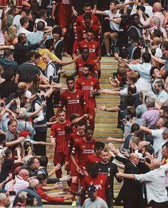 Liverpool Football Team, Liverpool Anfield, Liverpool Champions, Liverpool Players, Liverpool Fans, Manchester United Football, Football Boys, Uefa Champions League, College Football