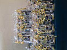 Wedding favours by Howards of Kent. Limoncello, Wedding Favours, Vodka, Favors, Lady, Presents, Wedding Keepsakes, Guest Gifts, Gifts