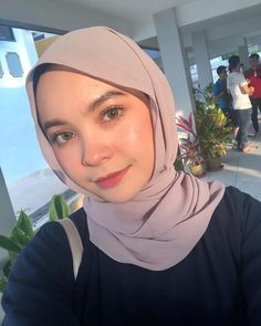 pemuas nafsu Girl Hijab, Beauty Full Girl, Girl Body, Gd, Girls, Blog, Beautiful, Fashion, Little Girls