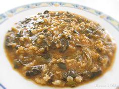 Σπανακόρυζο Ένα καθημερινό φαγητό νόστιμο, θρεπτικό αλλά και πολύ χορταστικό. Μια πολύ καλή πρόταση για την περίοδο της νηστείας που μόλις άρχισε.