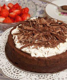 Glutenvrije chocoladetaart Gluten Free Snacks, Gluten Free Cakes, Gluten Free Recipes, Healthy Recipes, 25th Birthday Cakes, Vegan Cake, Different Recipes, Yummy Treats, Cake Recipes
